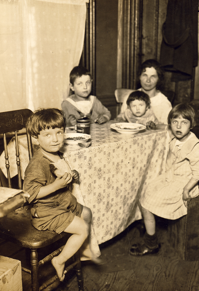 American Labor Mus_A family meal 1926 rsz.jpg