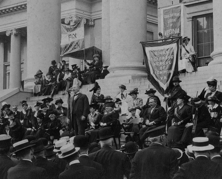 VCU_M 9 Box 239 May 1 1915 ESL of Va suffrage rally South Portico Capitol detail bw rsz.jpg