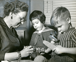 Children learning about corn, Josephine Newbury Demonstration Kindergarten, Richmond, Va.