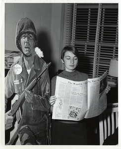 UMW_Student Reading Campus Newspaper Image572 rsz.jpg